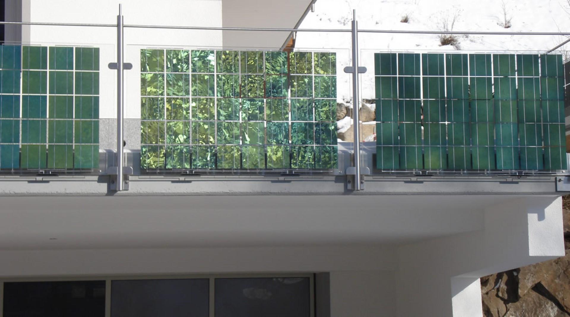 https://solarinnova.pl/wp-content/uploads/2020/03/balkony-fotowoltaiczne-12.jpg